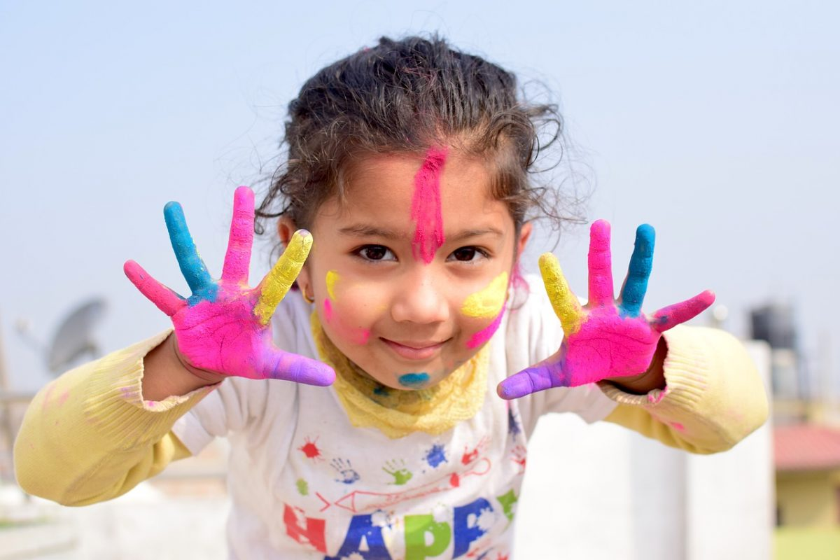 Comment fabriquer soi-même de la peinture pour les enfants ?